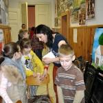 Uczniowie ze szkoły św,św.CiM z Joanną Marko